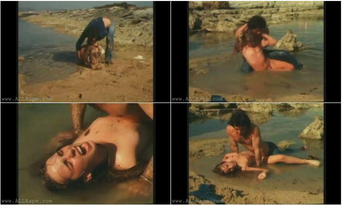 0062_RpVid_Raped Woman In A Pool